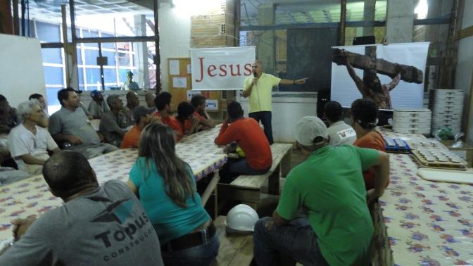 Evangelismo 19dez14, Constr Topus (13)