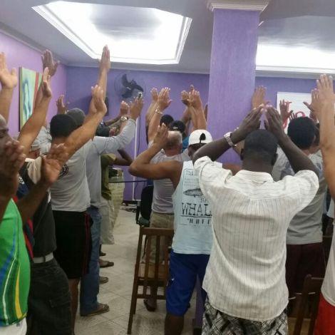 Dias 05 a 10abril15, Evangelismo em alojamentos, MRV, Macaé (4)