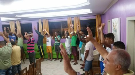 Dias 05 a 10abril15, Evangelismo em alojamentos, MRV, Macaé (5)