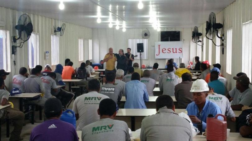 Dias 06 a 10 abril15, Cafés da manhã e almoços em Macaé, MRV (21)